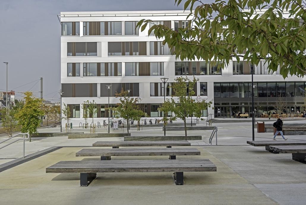Nohrcon har nominert Høgskolen på Vestlandet til årets skolebygg 2021. Foto: Ingrid Holm Andersen