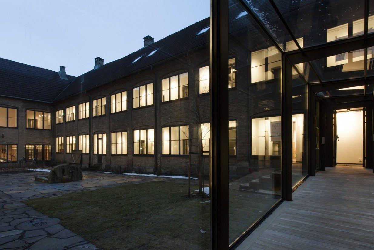 Kongens gate 1, en av Kristianias eldste bygninger, er omgjort til moderne kontorlokaler for Asplan Viak.  Se den unike bygningen på lørdag. Foto: Chris Aadland