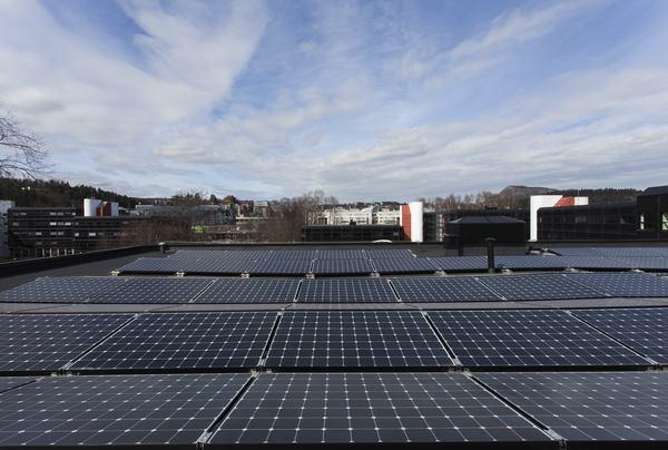 Solenergimarkedet har hatt rekordøkning viser en ny rapport fra Solenergiklyngen. Foto: Chris Aadland