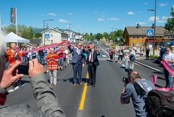 Høytidelig åpning av Stasjonsvegen i Bø. Foto: Dag Jenssen